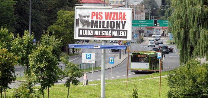 Artykuł: ''PiS wziął miliony''. Jarosław Kaczyński na billboardach w Olsztynie