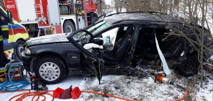 Artykuł: Tragiczny wypadek: 30-latka zginęła na miejscu.  Jechała z 5-letnim synkiem