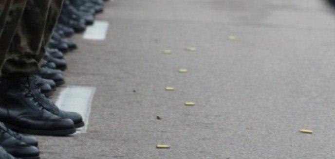 Artykuł: Wysocy rangą oficerowie Wojska Polskiego skazani za pobicie funkcjonariuszy