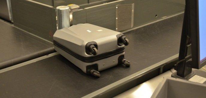 Artykuł: Przez głupi żart na lotnisku w Szymanach 24-latek nie poleciał do Niemiec