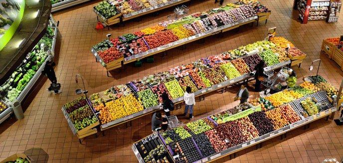 Ceny warzyw i owoców oszalały. Na rynku nie ma pietruszki