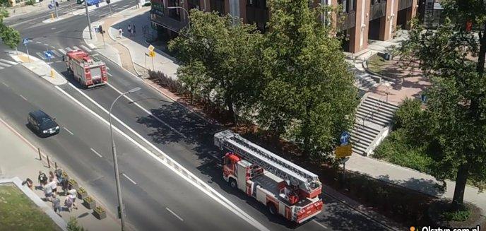 Akcja strażaków w centrum miasta. Co się stało? [WIDEO]
