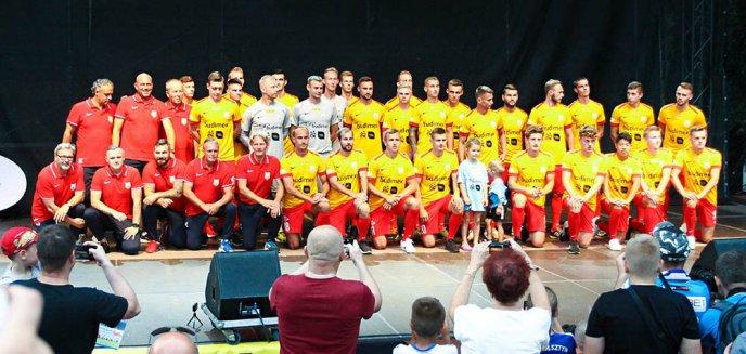 Prezentacja piłkarzy Stomilu przed pierwszym ligowym meczem u siebie. Czy zdobędą pierwsze punkty? [ZDJĘCIA]