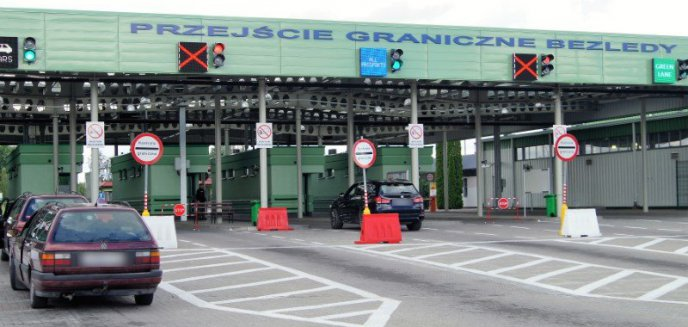 Artykuł: Utrudnienia na przejściu granicznym w Bezledach. Gdzie najlepiej przejechać granicę?