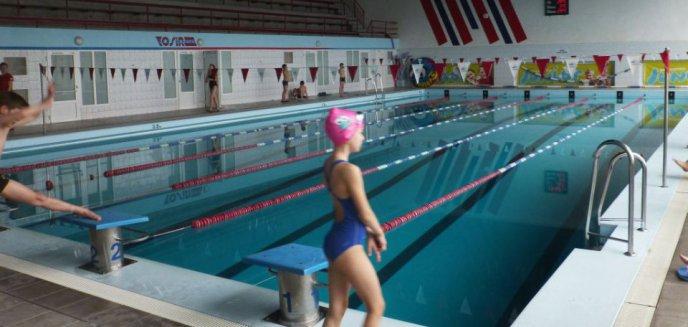 Artykuł: Dzieci z II klas jednak pójdą na basen? Za pieniądze rodziców