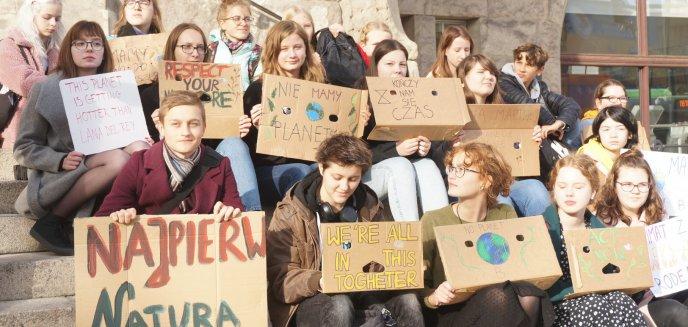Artykuł: Strajk klimatyczny. Młodzież przemówiła głosem dorosłych [ZDJĘCIA]