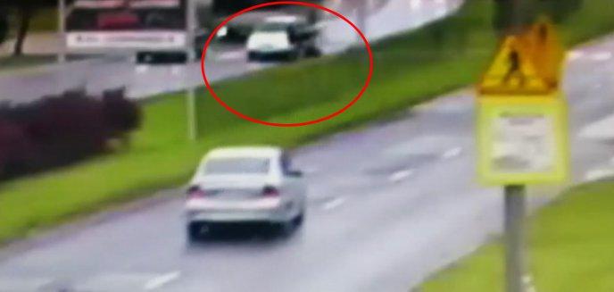 Artykuł: Zdarzenie na ul. Dworcowej. Na przejściu dla pieszych potrącił dwie kobiety [WIDEO]