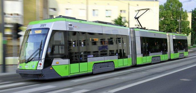 Artykuł: Niebezpiecznie w autobusach i tramwajach? Tylko w tym roku upadło w nich ponad 80 osób
