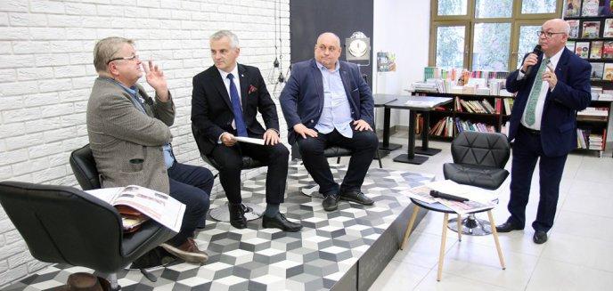Artykuł: Debata kandydatów ''olsztyńskiej'' listy do Senatu. Dostało się rządowi, mediom narodowym…