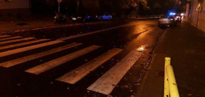Artykuł: Kierowca audi potrącił dwie osoby na przejściu dla pieszych na Zatorzu