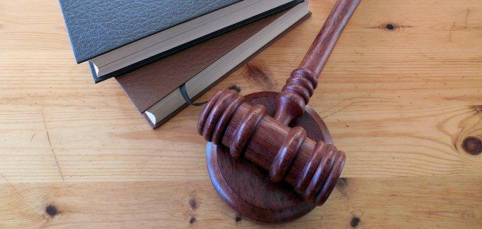 Artykuł: Chciała pomóc synowi podejrzanemu o handel bronią. Olsztyńska sędzia usłyszała zarzuty