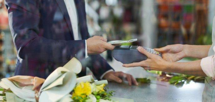 Czy mały przedsiębiorca potrzebuje płatności bezgotówkowych?