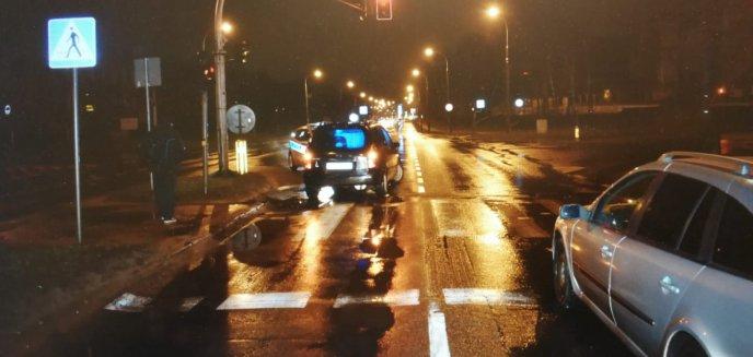Artykuł: Kolejne zdarzenie na pasach. Kierowca auta osobowego potrącił 90-letnią kobietę