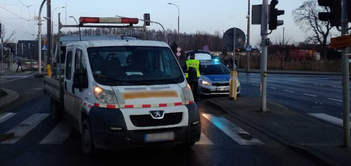 Artykuł: Potrącenie pieszej na ul. Tuwima. Uwaga, kierowcy! Ślisko na drogach