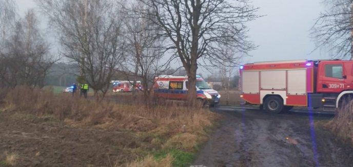 Artykuł: O krok od tragedii. Policjanci wynieśli z płonącego domu 78-letnią kobietę [WIDEO]