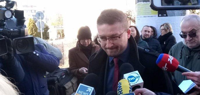 Artykuł: Zawieszony w obowiązkach sędzia Paweł Juszczyszyn przyszedł do pracy. ''Jestem gotów do orzekania'' [AKTUALIZACJA]