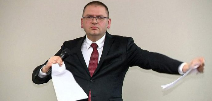 Artykuł: Prezes olsztyńskiego sądu rejonowego podarł wniosek sędziów [WIDEO]