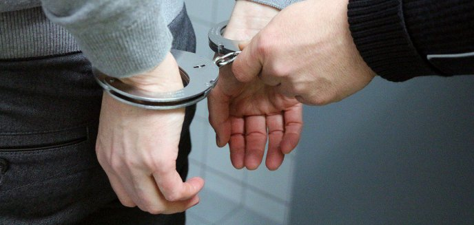 Artykuł: Zuchwałe kradzieże w Olsztynie. Łupem złodziei padły pieniądze, alkohol i sprzęt budowlany