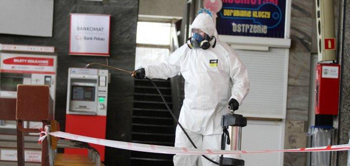 Artykuł: Dezynfekcja na Dworcu Głównym w Olsztynie. Podróżna z podejrzeniem koronawirusa trafiła do szpitala [ZDJĘCIA]