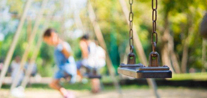 Artykuł: Koronawirus. Miasto zamyka place zabaw i wyłącza przyciski sygnalizacji