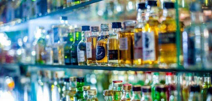 Artykuł: Ukradł drogi alkohol i pobił ochroniarza w olsztyńskim markecie