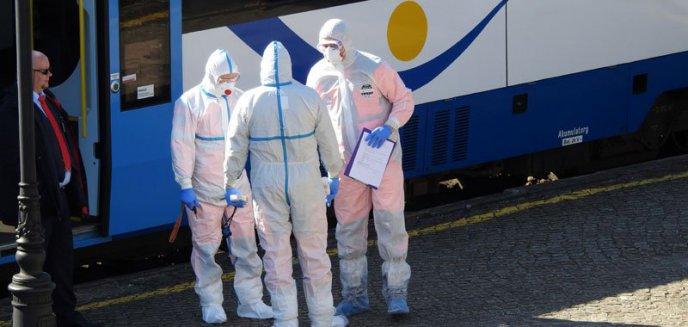 Artykuł: Giżycko. Pasażer z podejrzeniem koronawirusa w pociągu z Olsztyna wstrzymał ruch [ZDJĘCIA]