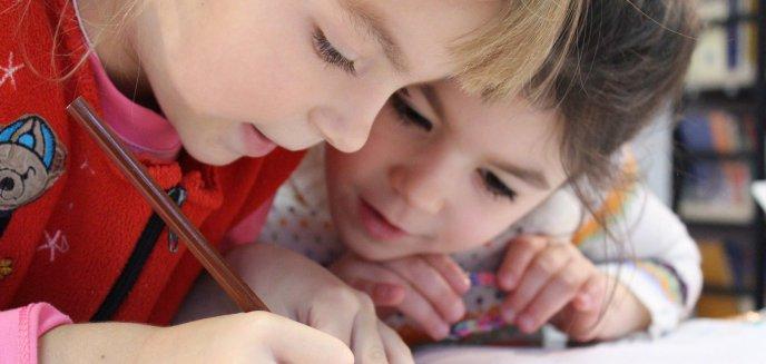 Koronawirus. Rodzice ponownie muszą składać wniosek o zasiłek na dziecko