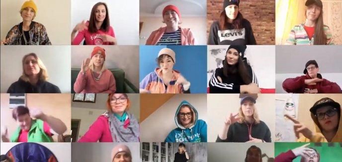 Artykuł: Światowy Dzień Świadomości Autyzmu. Nauczyciele z Olsztyna nagrali specjalny teledysk [WIDEO]