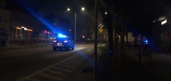 Scena niczym z amerykańskich filmów akcji. 28-latek potrącił policjanta, padły strzały [WIDEO]