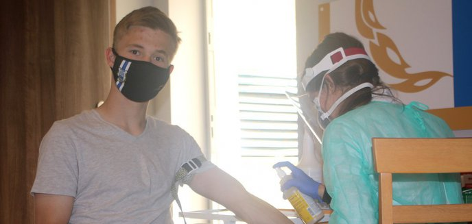 Koronawirus. Piłkarze i pracownicy Stomilu przeszli testy na obecność wirusa [ZDJĘCIA]