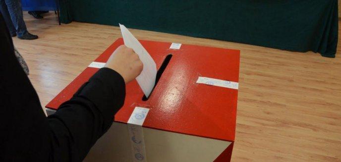 Artykuł: Wybory 2020. Watchdog Polska składa zawiadomienia do prokuratury na gminy, które przekazały dane wyborców