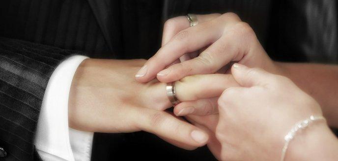 Artykuł: Wesela maksymalnie na 50 osób? Przedstawiciele branży ślubnej nie zgadzają się z tym obostrzeniem