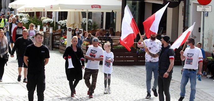 W Olsztynie spacerowali przeciwko PiS [ZDJĘCIA]