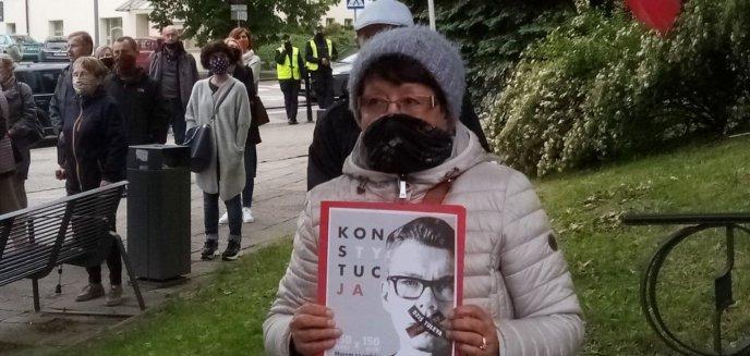 Artykuł: ''Sędzia nie może bać się polityków''. Protestowali pod sądem w obronie sędziego Tuleyi [ZDJĘCIA]