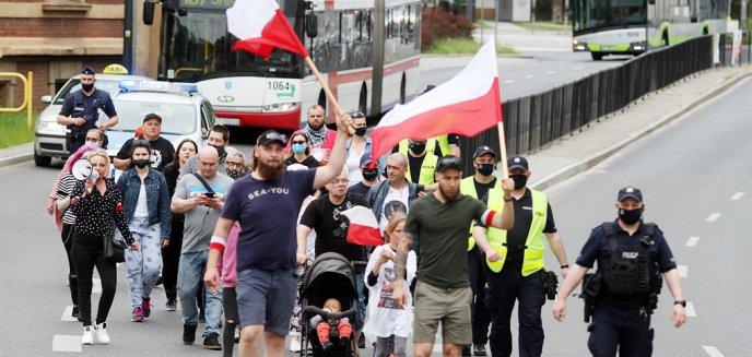 Artykuł: ''Władza odcięła się od narodu i robią swoje szemrane interesy''. Protestowali przeciwko PiS [ZDJĘCIA] [WIDEO]