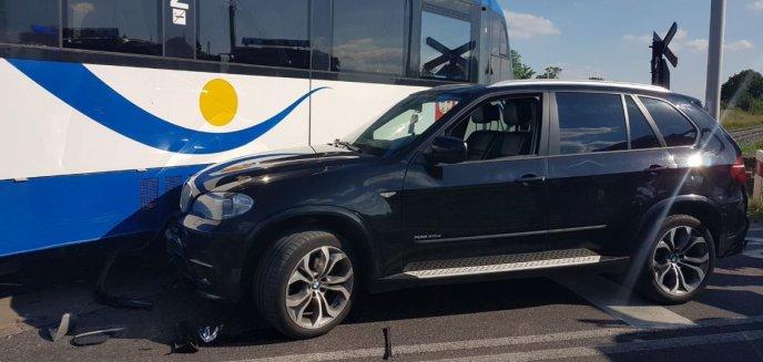 Artykuł: 23-latka kierująca bmw uderzyła w szynobus jadący z Olsztyna