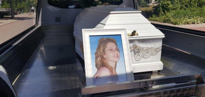 Pogrzeb Joanny Gibner w Olsztynie. Rodzina oficjalnie pożegnała ją po 24. latach [ZDJĘCIA]