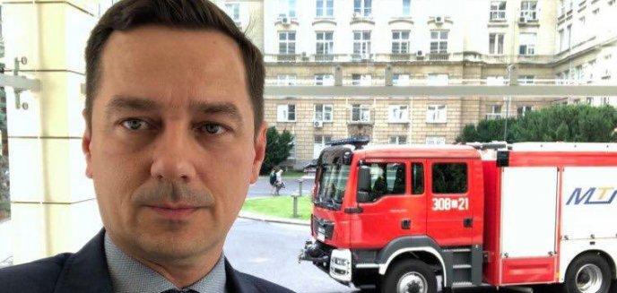 Artykuł: Wójt Stawigudy odebrał w Warszawie promesę na wóz strażacki