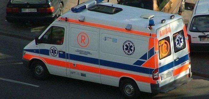 Artykuł: 74-latka straciła w domu przytomność. Policjanci i pracownicy MOPS-u uratowali jej życie