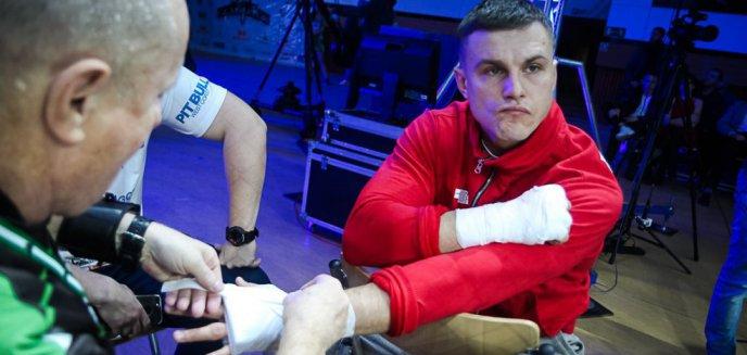 Artykuł: Zawodnik MMA z Olsztyna, Alan Kwieciński, szkaluje wyborców Dudy? Przyrównał ich do... niepełnosprawnych umysłowo