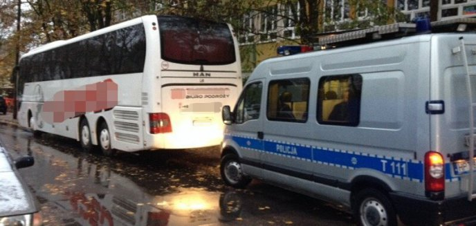 Artykuł: Kierowca autobusu jechał po pasażerów z promilami we krwi. Wszystkiemu winien... sok jabłkowy