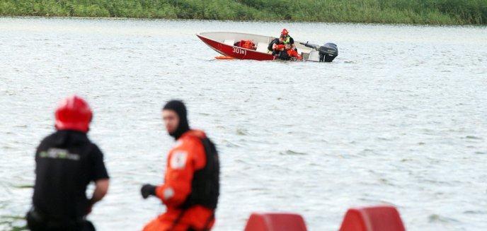 Artykuł: Wywrócona łódź na jeziorze Kortowskim. Co się stało? [ZDJĘCIA]