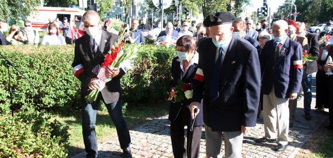 Mieszkańcy Olsztyna upamiętnili 76. rocznicę wybuchu Powstania Warszawskiego [ZDJĘCIA, WIDEO]