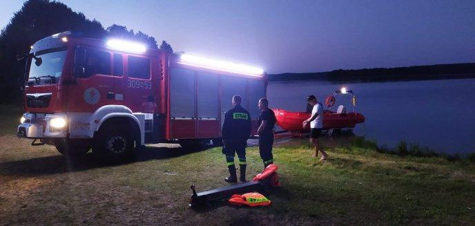 Na Jeziorze Łańskim w gminie Stawiguda wywróciła się łódź. Od trzech dni poszukują mężczyzny [ZDJĘCIA] [AKTUALIZACJA]