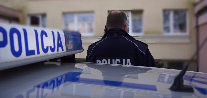 Artykuł: Niecodzienna interwencja policjantów z Barczewa. Zrobili zakupy dla obcokrajowców na kwarantannie