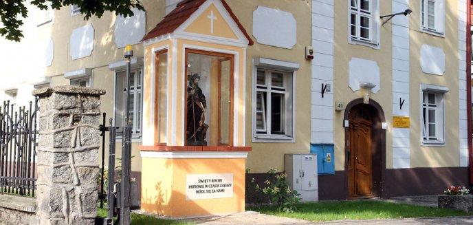 Artykuł: Przy kościele na Zatorzu w Olsztynie stanęła nowa kapliczka. Ma chronić przed pandemią