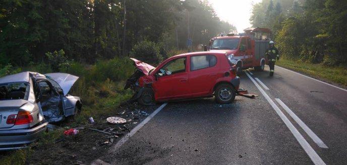 Artykuł: Na drodze krajowej między Olsztynem a Szczytnem bmw zderzyło się z toyotą