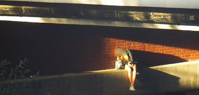 Kobieta spała w parku Centralnym przy samej krawędzi rzeki. Interweniowała straż miejska