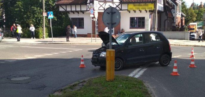 Artykuł: Kolizja w pobliżu mostu Jana w Olsztynie. Zderzyły się dwa auta osobowe