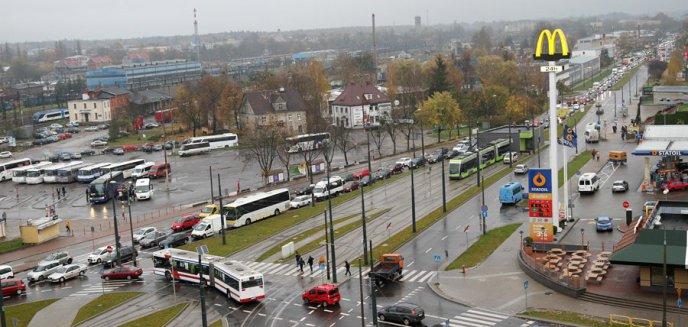 Artykuł: Podmiejskie busy będą odjeżdżały z ul. Przemysłowej. To problem dla wielu podróżnych